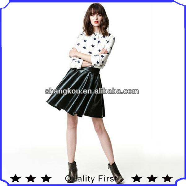 Fotos de mulheres moda saias curtas, Plissada bonito curto mini saia de couro de design para jovens senhoras