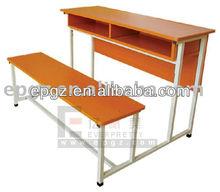 Madera antigua de escritorio del estudiante de mobiliario