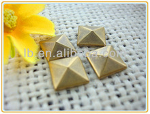 7*7mm 2013 fashion design hot sale silver/antique/gold many color,square/round/star/flowe hot fix pyramid metal studs for shoes