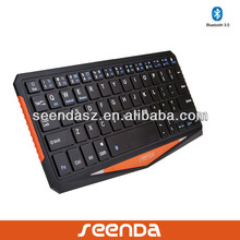 Wireless bluetooth keyboard with usb port