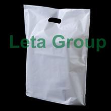 Die cut handle/punch handle plastic shopping bags