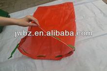 PP Leno mesh sacks for packing vegetables shiny red color