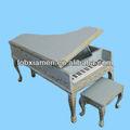 เรซินเก้าอี้เฟอร์นิเจอร์บ้านตุ๊กตาขนาดเล็กที่มีเปียโน