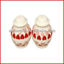 Top quality white and red kichen ware home decor cruet set
