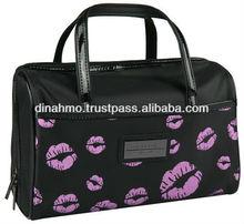 GILLIAN JONES SPA COSMETIC CASE KISSES
