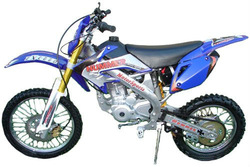 200cc CTC-22 Dirt Bike 4 Stroke- 5 Speed Manual
