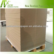 Strong and folding resistance paper cardboard for gift boxes