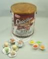 nuevo con chocolate gomademascar de la burbuja en la taza