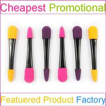 Fay brush sponge applicator with eye shadow for makeup