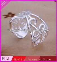 beautiful opening diamonds silver stone ring FR033