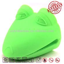 silicone heat resistant glove kitchen accessory,kitchen tool,kitchen utensil
