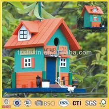 De madera pintado de keychain del birdhouse diseños