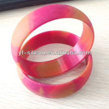 China Manufacturer 2012 Fashion able Silicone Wristbands