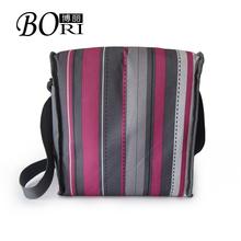 2014 wholesale hot sale cooler bag on wheel solar panel cooler bag