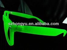 2014 fashionable freaky glow in the dark wayfarwer diffraction glasses