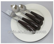 16 pcs black handle flatware with basket