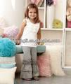 importado boutique de roupas para crianças conjuntos crianças top branco com cinza calças ruffle baby conjuntos de roupa de algodão conjuntos