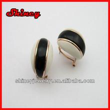 helf ball black and white epoxy earring