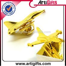 Cheap metal custom design pilot wings pin badge