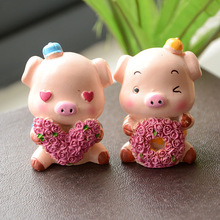 Q version resin doll ornaments car series super happy love pigs blessed gift jewelry D0413
