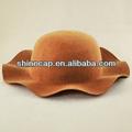 mulheres chapéu de feltro de forma de onda de largura brim