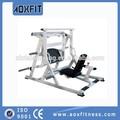 spor salonunda vücut geliştirme eğitmen oturmuş bacak pres ax6017