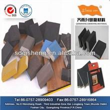 Lijado a mano del bloque para muebles de madera maciza
