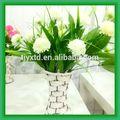Fleur artificielle avec vase en verre, fleurs artificielles pour les funérailles de couronnes, la lumière de fleurs artificielles