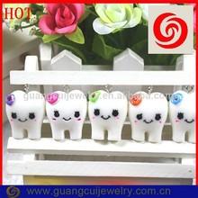 Fashion top quality key chain tooth shaped dental floss
