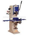 Le travail du bois machine à bois rainurage mortise chaîne.