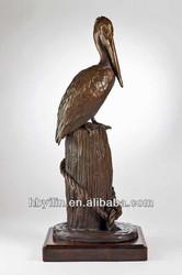 Bronze pelican sculpture craft statue
