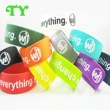 reflective design text change everything sunken logo silicone wristband for fast delivery