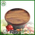 ronde à la main plateau en bois
