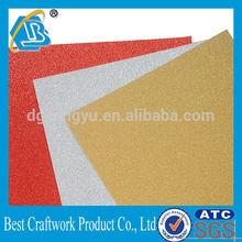 Beaucoup coloré du papier paillettes