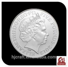 custom Britain's queen Elizabeth five pounds souvenir silver coins