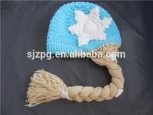 Encantador handmade do bebê crochet chapéus meninas com abas de orelha e top bola