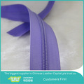 Nylon / metal / plástico de la cremallera rollo para accesorios de prendas de vestir y bolsos
