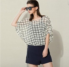 Chic Check Summer Tops Latest Design Girl Top with Batwing Sleeve