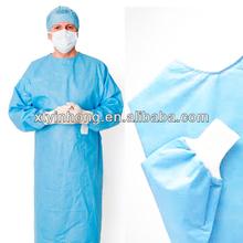 Descartável campos cirúrgicos e vestidos