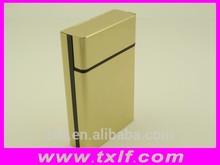 De metal exquisito y metal paquete de cigarrillos cubierta