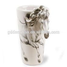 China Guangdong high quality hand painted horse ceramic mug