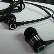looks weifd metal headphone with mic for laptop free sample offered