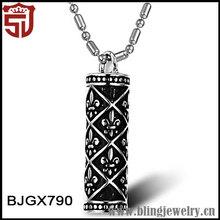 Costume Accessories Titanium Jewelry Totem Pendant Necklace for Men