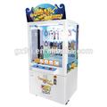 la mayoría de lucro expendedoras de productos de juguete para empujar el botón interruptor de juegos juguetes modelo de máquina de la grúa