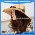 el último de la moda de las señoras de ala ancha de paja playa sombrero para el sol