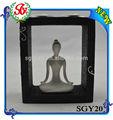 Yoga méditation sgy20 femmes. figurine blanc avec cadre en bois