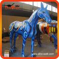 الحياة الحيوانية فايبرجلاس الحجم ملونة 2.5m حصان للبيع