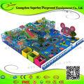 De China venta al por mayor niños parque infantil cubierto de franquicia