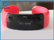 Newest and fashionable design wrist watch phone bluetooth