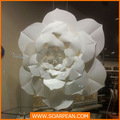 gigante blanco flor de papel